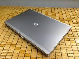 Lap top HP 8560 có kích thước khá lớn