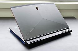 dell-alienware-15r3-prolap-1523420503.jpg